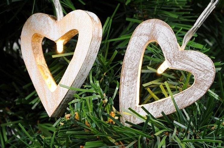 Kaemingk Lichterkette Herz Holz 12 LED 2,4m
