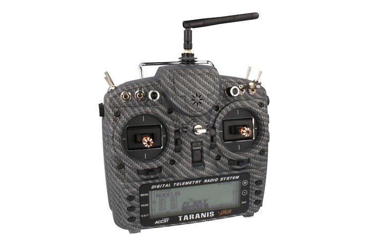 FrSky Taranis X9D Plus SPECIAL EDITION mit M9 Hall Sensor Gimbal + Matt Carbon Fiber + Soft Case