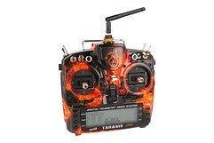 FrSky Taranis X9D Plus SPECIAL EDITION mit M9 Hall Sensor Gimbal + Blazing Skull + Soft Case