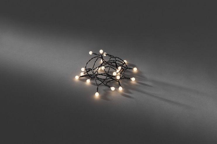 Konstsmide Lichterkette Globe 50 LED warmweiß 3,92m innen schwarz