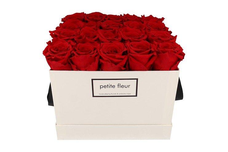 Petite Fleur Flowerbox Infinity Rosen L quadratisch in Rot mit 20-25 Rosen