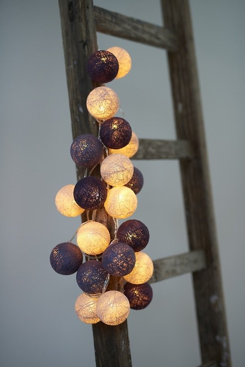 sirius lichterkette bolette 20 led 2 85 m baumwollkugeln purple velvet kaufen. Black Bedroom Furniture Sets. Home Design Ideas